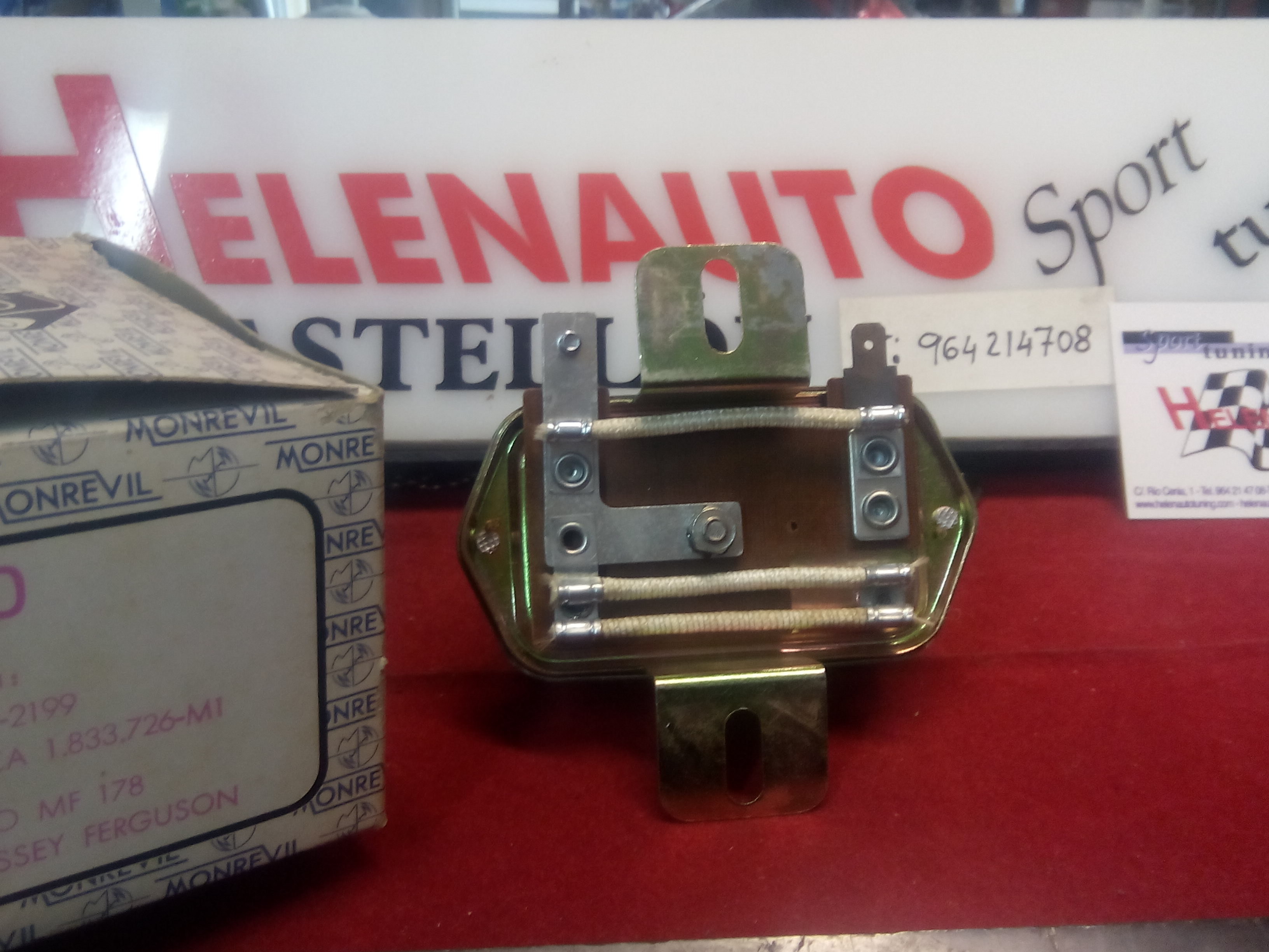 REGULADOR ALTERNADOR TRACTOR EBRO MASSEY REF. RA-400 MONREVIL